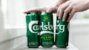carlsberg ditches plastic packaging